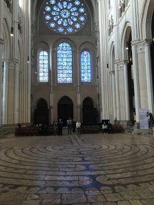 labirintul de la notre dame chartres